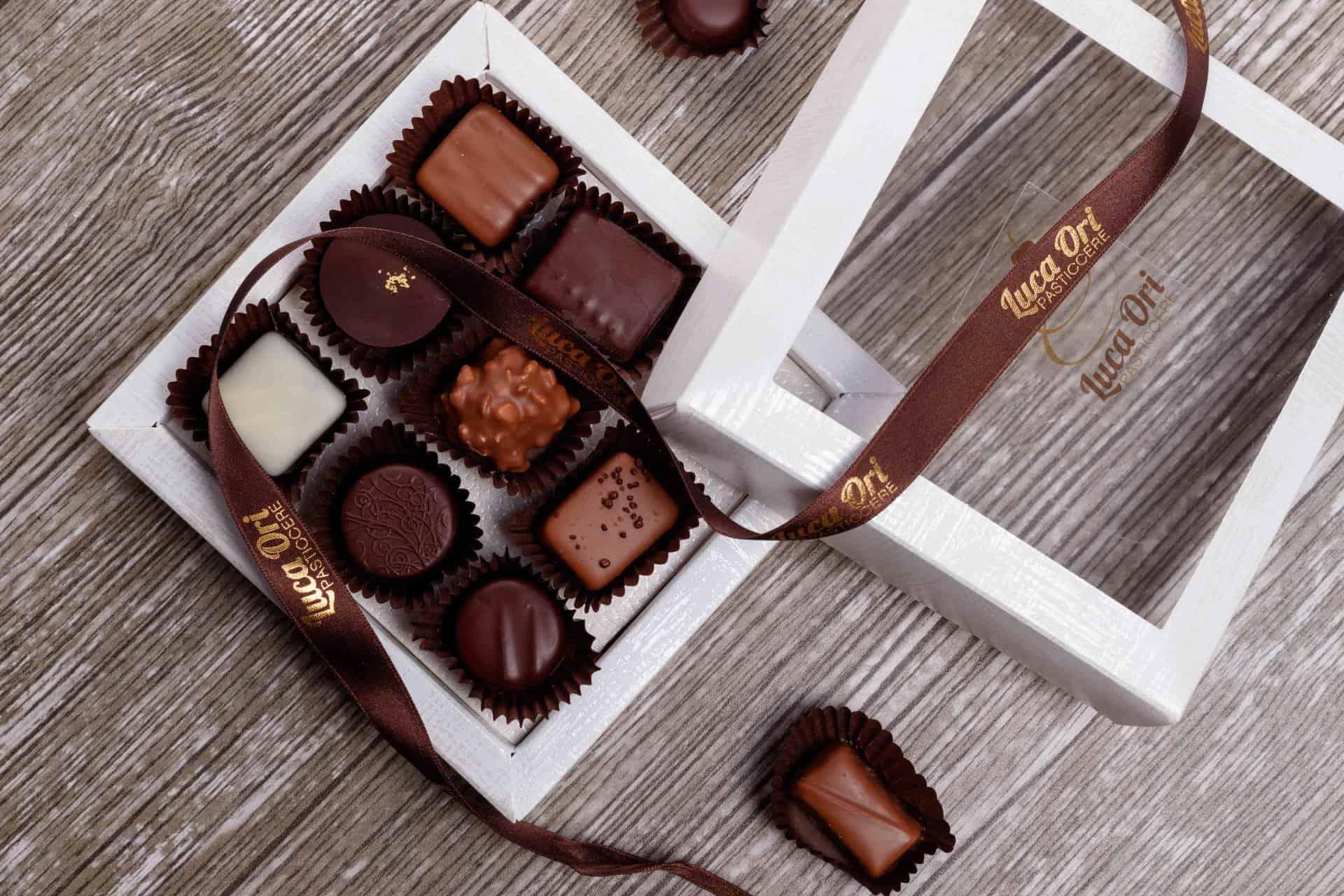 scatola di cioccolati artigianali